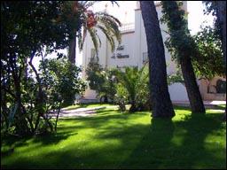 Boutique Hotel in the heart of a Valencia Orange Plantation